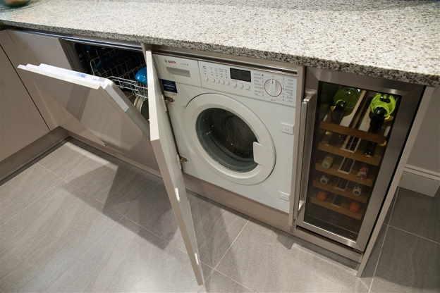 Установка стиральной машинки на кухне